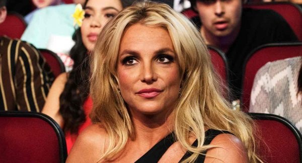 "Born on December 2, 1981, Britney is a singer , songwriter , dancer and actress from America. Born on December 2, 1981. In Spears' late 1990s and early 2000s, she is referred to as ""Princess of Pop"" as an influence on the revival of the young pop."