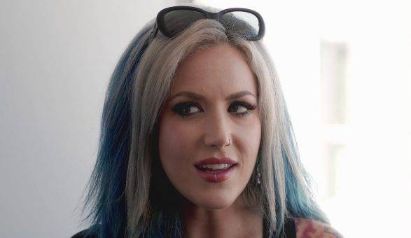 Alissa White-Gluz Quotes About Canadian Idol, War, Commons, Opera