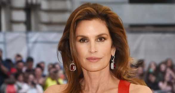 Cindy Crawford Quotes About Friends, Beach, Kobe, Cottage
