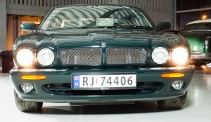 Jaguar XJR – en ramp i silkedress