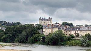 Saumur donderwolken boven de Loire