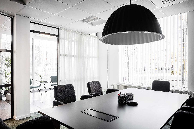 Lampa från Muuto och Matta från Desyt, Industriglas, studio a3