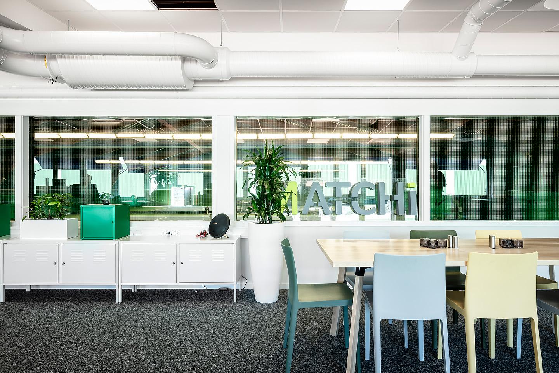 Bord från Ikea, Stolar från Hay, Förvaringsskåp från Ikea. Studio A3