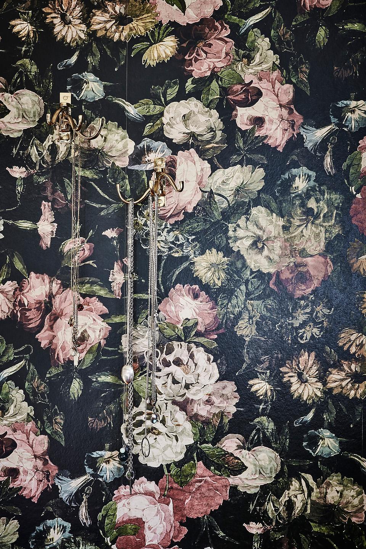 Blommig tapet, House of hackney, midnight garden