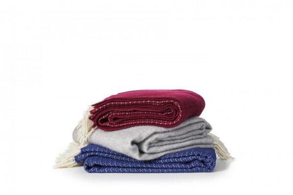 kashmir klippan yllefabrik ull plad filt gotland vardagsrum textil sang rutig vavd ullgarn present gava