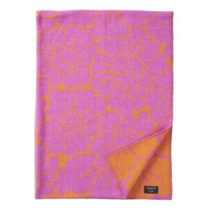 klippan yllefabrik ull plad filt gotland vardagsrum textil sang rutig vavd ullgarn present gava