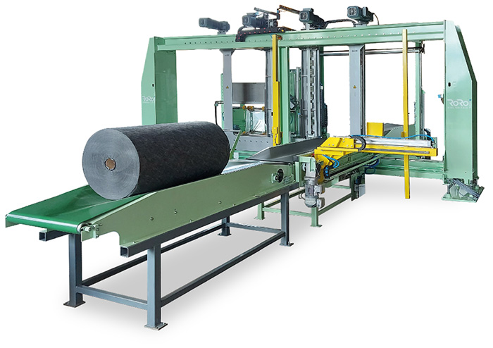RoRo StretchPack packaging machine for nonwoven rolls