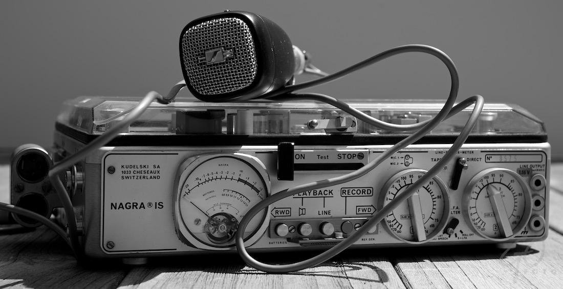 Foto van een bandrecorder: Nagra Vonkpodcast