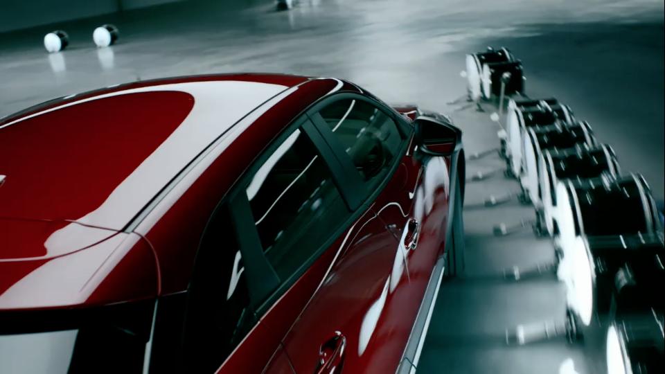 Reclame voor hoofd en hart door Mazda