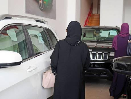 Saudi auto industry looks to women with hope