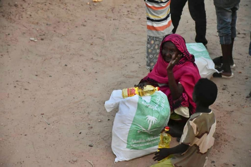 KSrelief Distributes Shelter Support to Sudan Flood Victims
