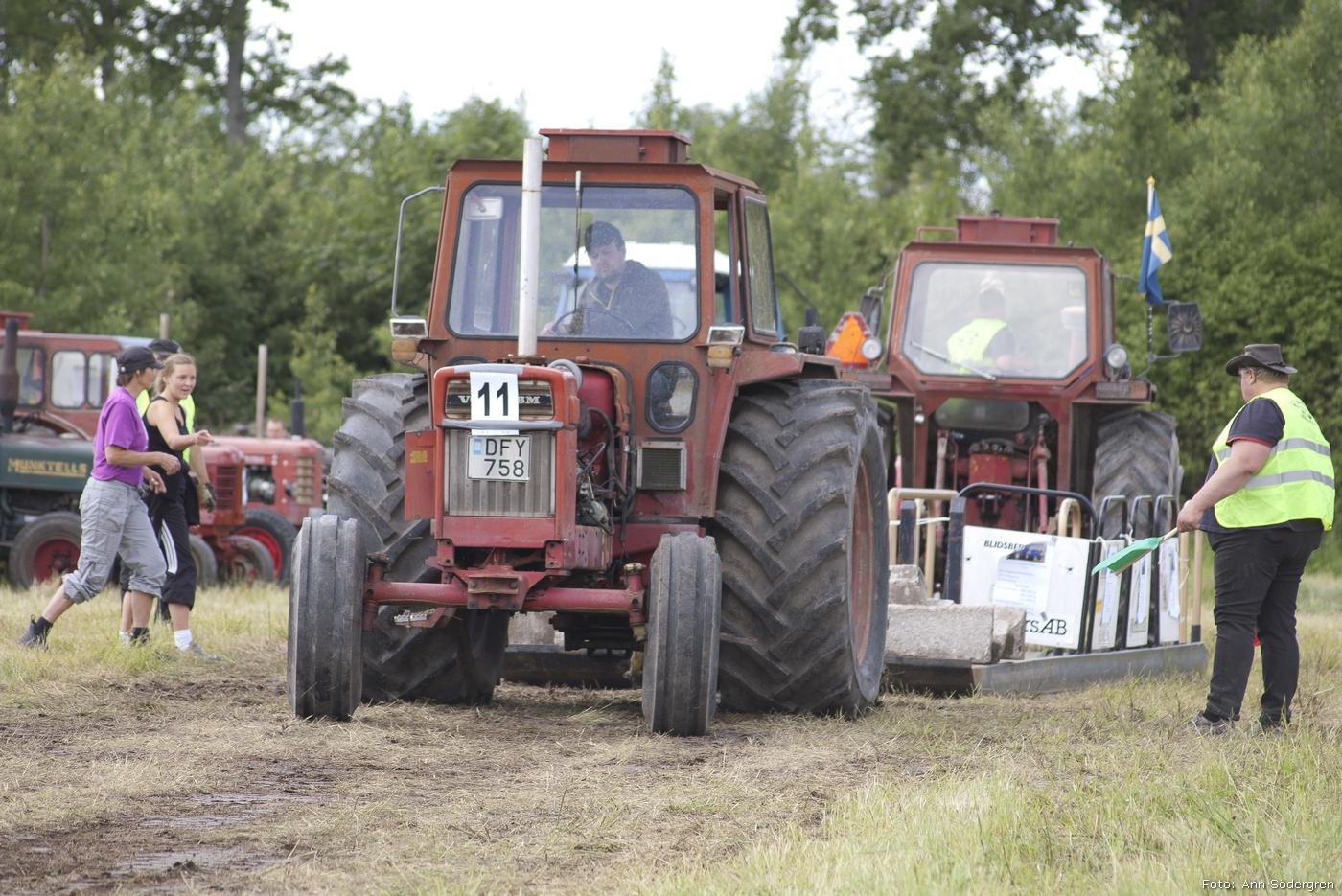 2011-06-18_208_Pulling