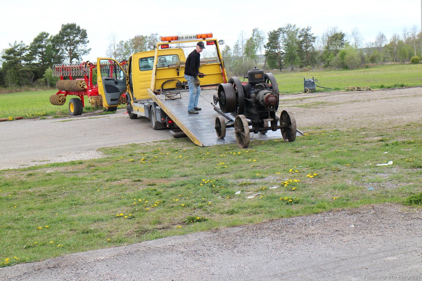 2014-05-03_054_traktorflytt