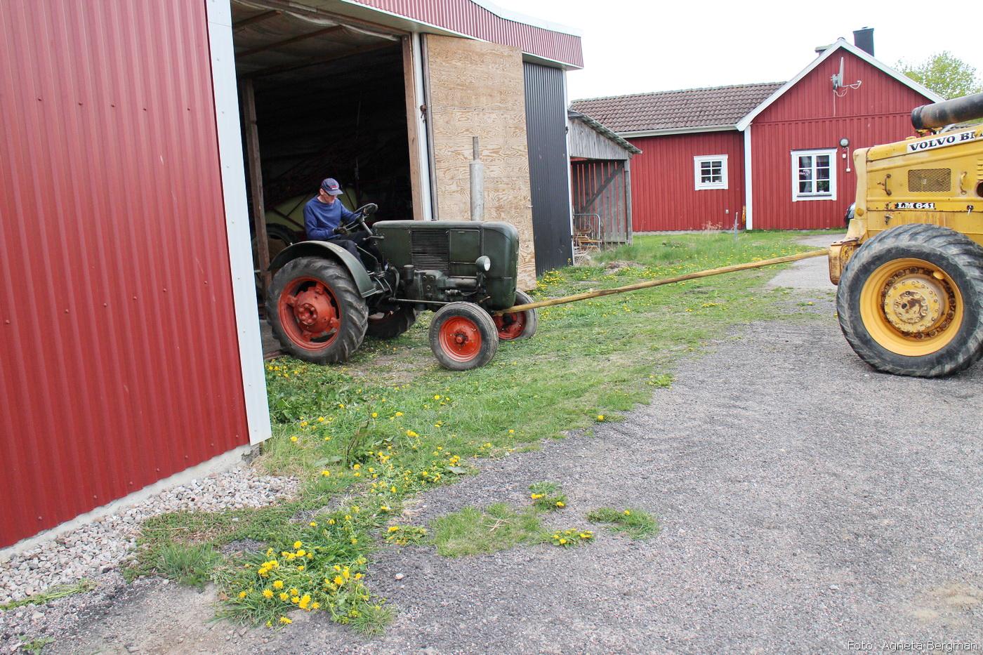 2014-05-03_055_traktorflytt