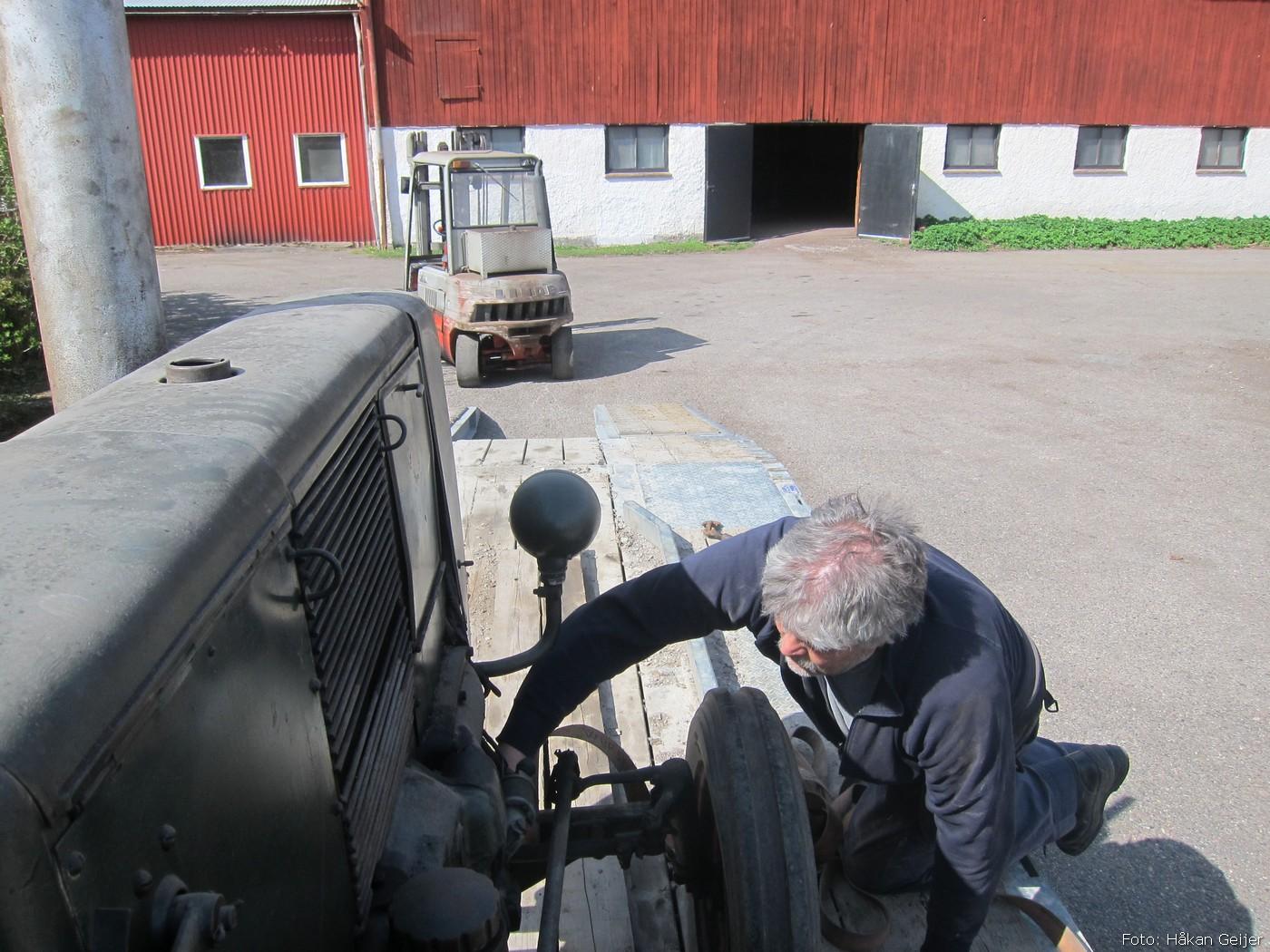 2014-05-03_068_traktorflytt