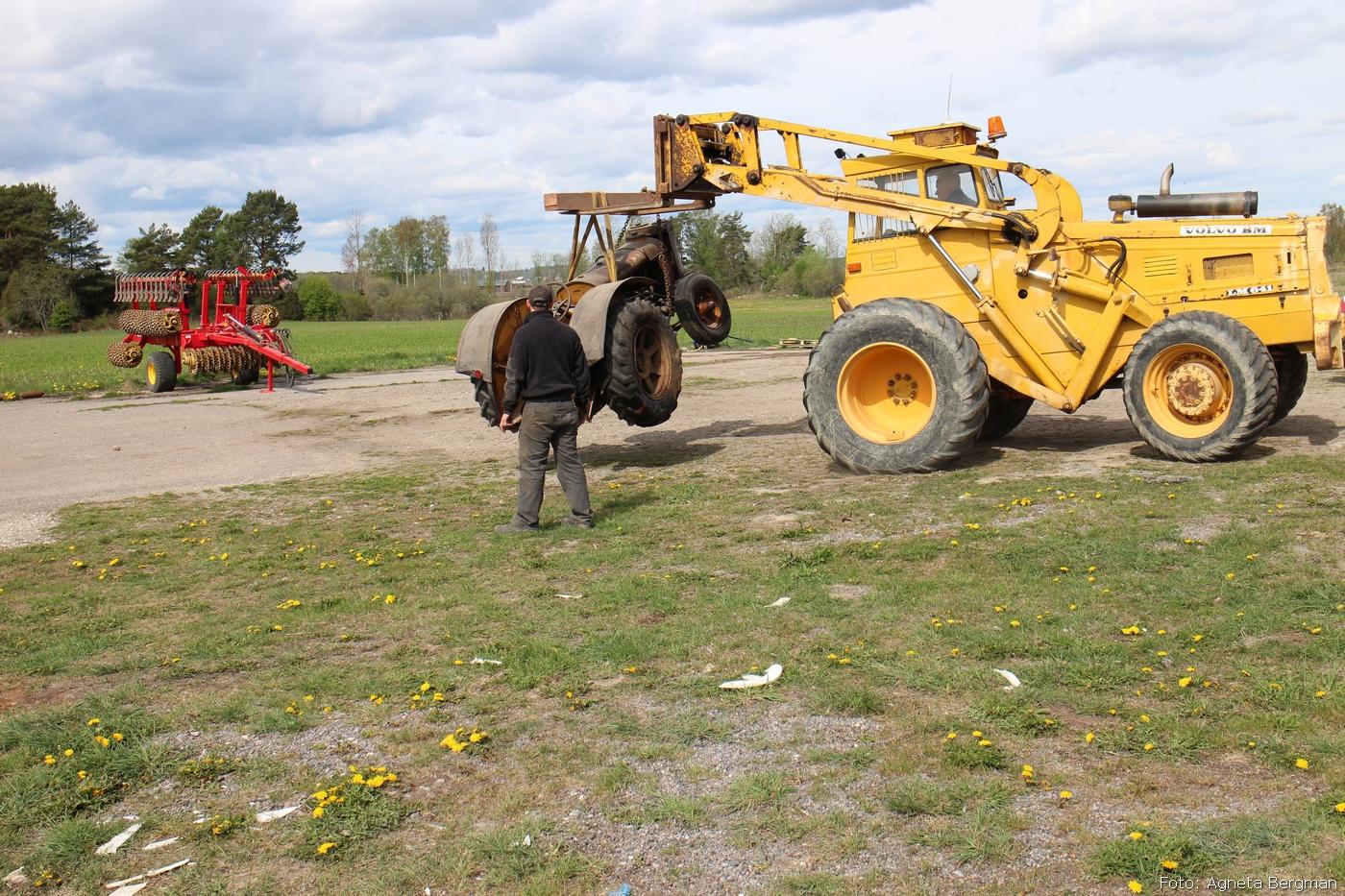 2014-05-03_075_traktorflytt