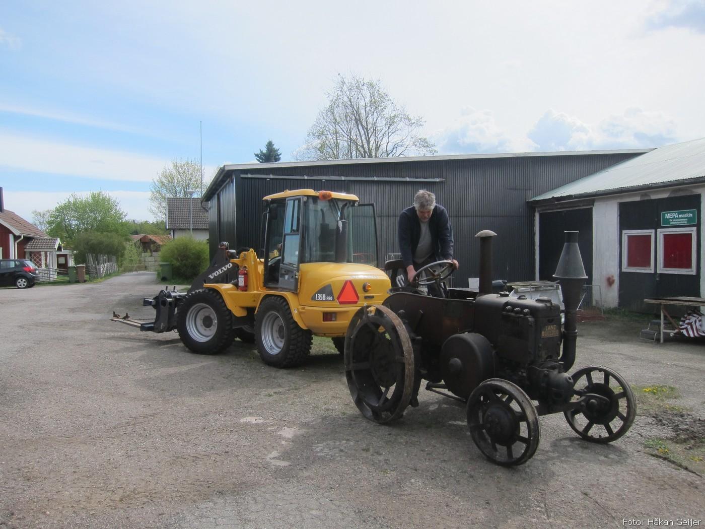 2014-05-03_078_traktorflytt