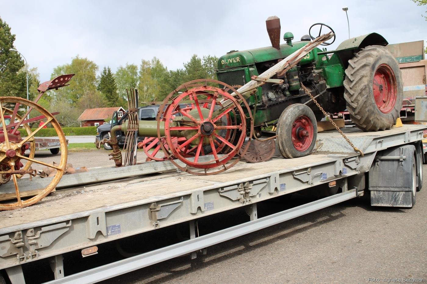 2014-05-03_093_traktorflytt
