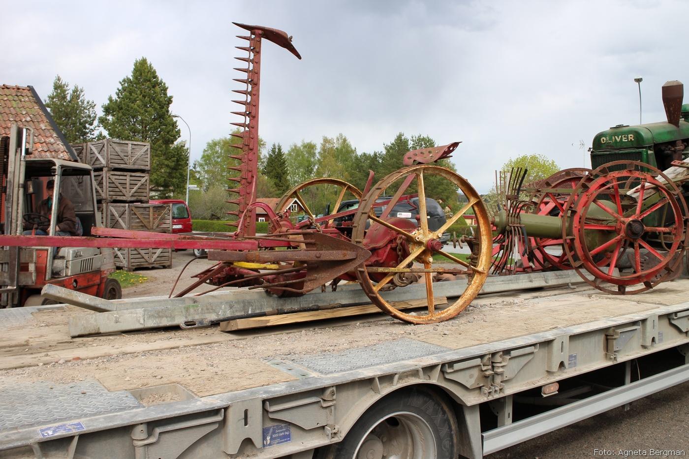 2014-05-03_095_traktorflytt