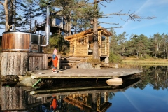 Wilderness-Tower-hot-tub-and-sauna-at-the-port