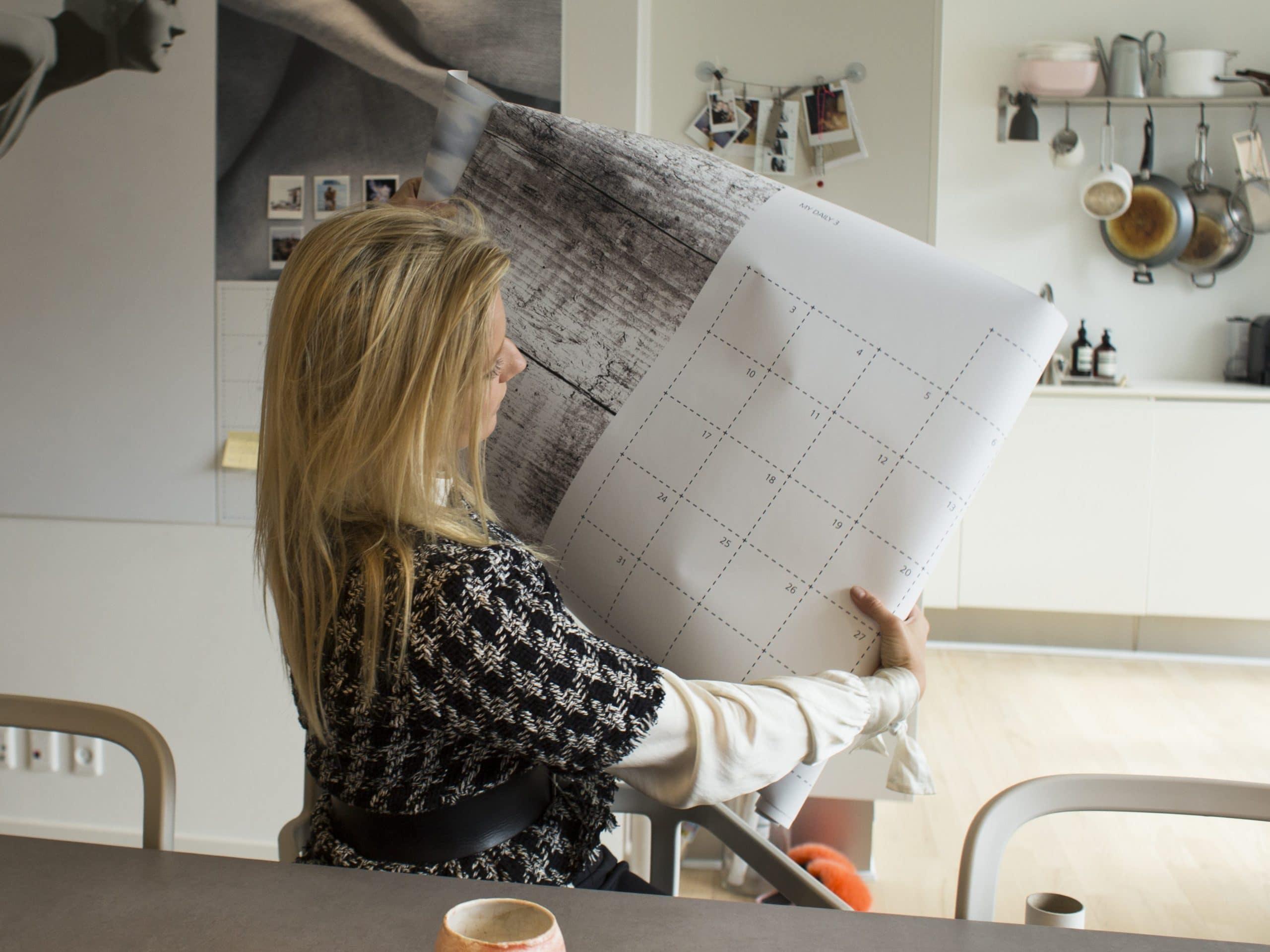 Carla Mickelborg med sin Goals kalender