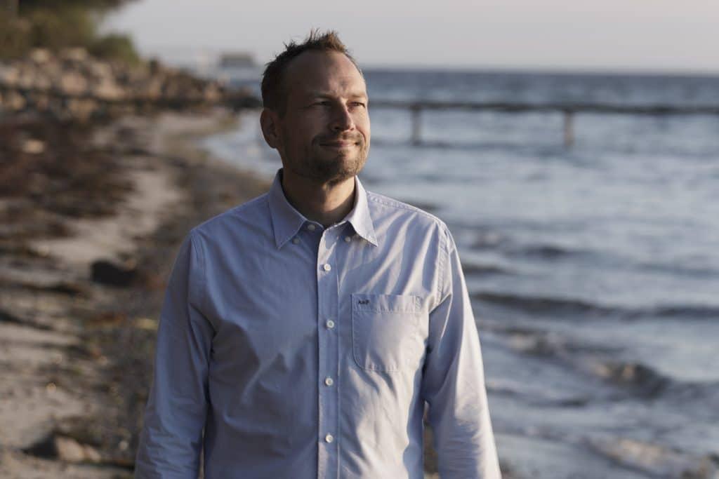 Martin Thorborg ved stranden