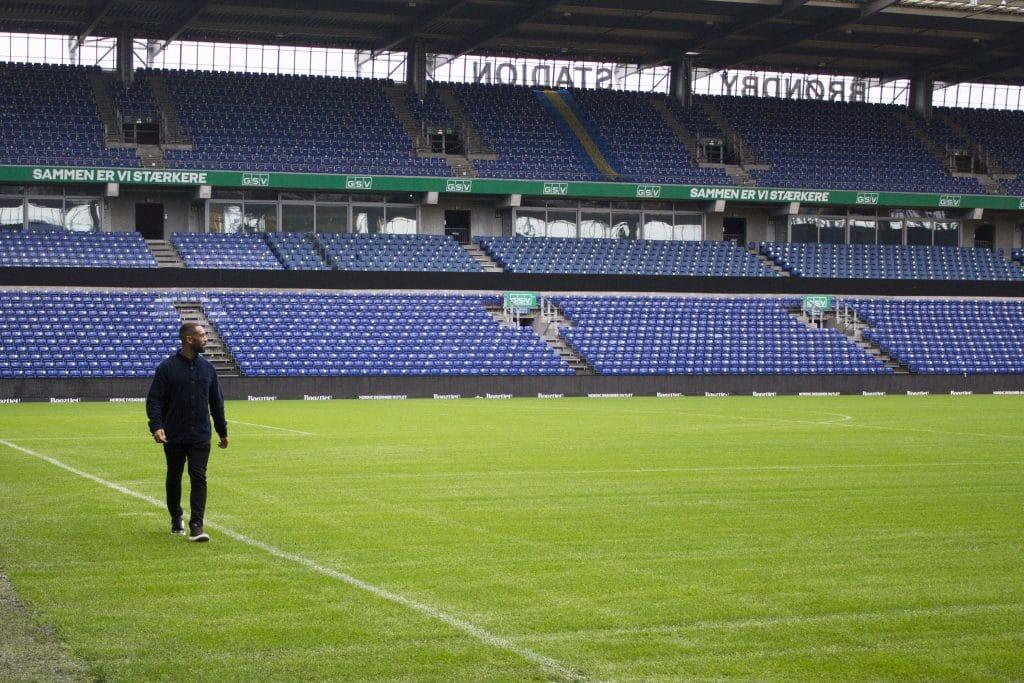 Kevin Mensah, Stadion
