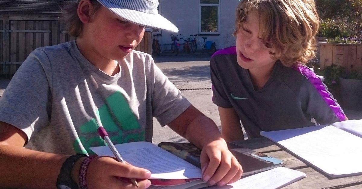 Udeskole, fjernundervisning og almindelig skoledag – i én løsning