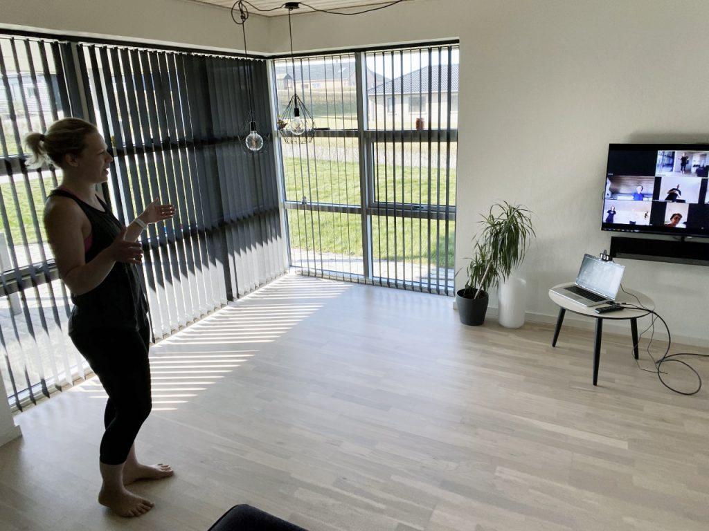 Virtuel karatetræning i hjemmet