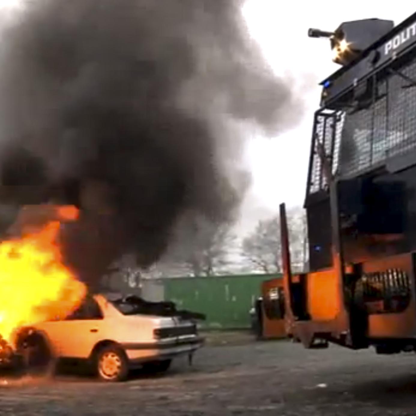 Præsentation af politiets brand- og rydningskøretøj