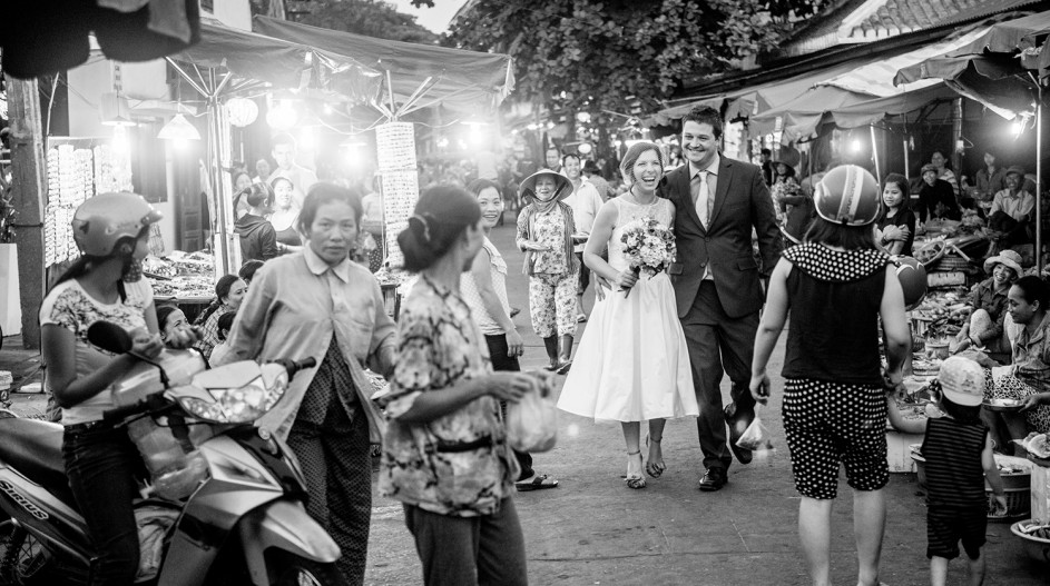 Downtown Hoi An Wedding Photo Shoot | Hoi An, Vietnam
