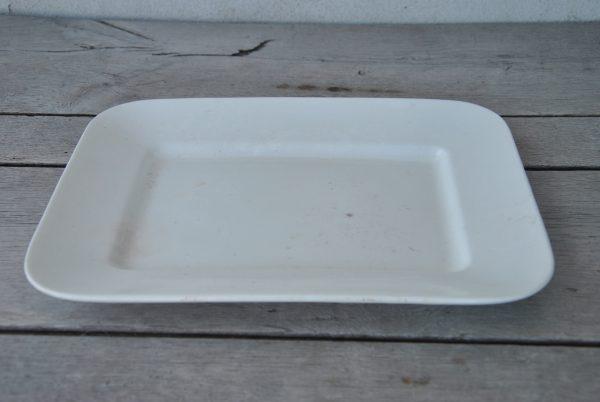 Hvidt aflangt porcelænsfad