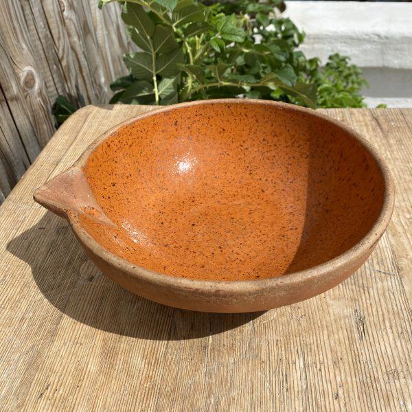 Rødbrunt fransk lerfad