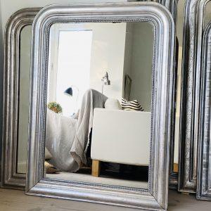 Louis Philippe sølvspejl m perlekant. 92 x 67 cm