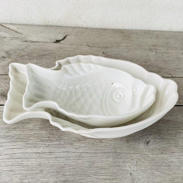 2 fiskeformede skåle i hvid porcelæn