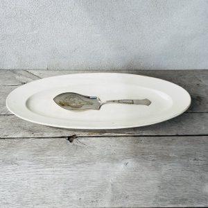 Gammel hvidt porcelæn fra Villaverte