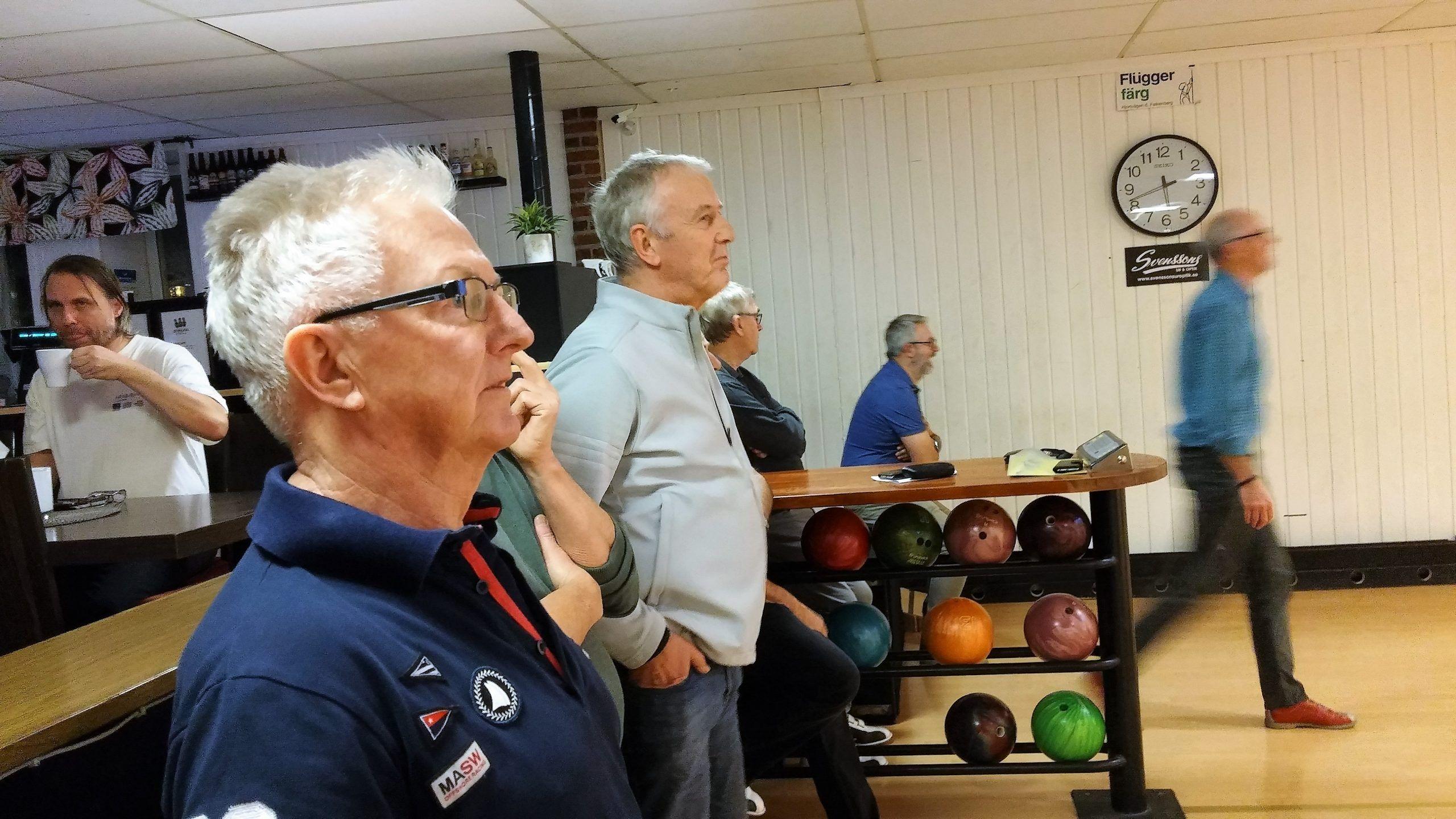 bowling 25 jan 5