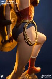 Wonder Woman detail Lasso of Truth