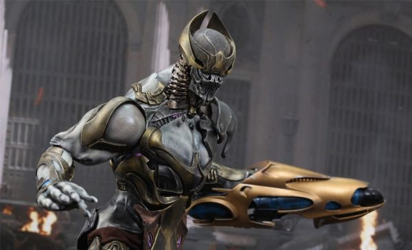 Chitauri Commander Marvel Sixth Scale Figure