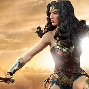 Wonder Woman - Premium Format