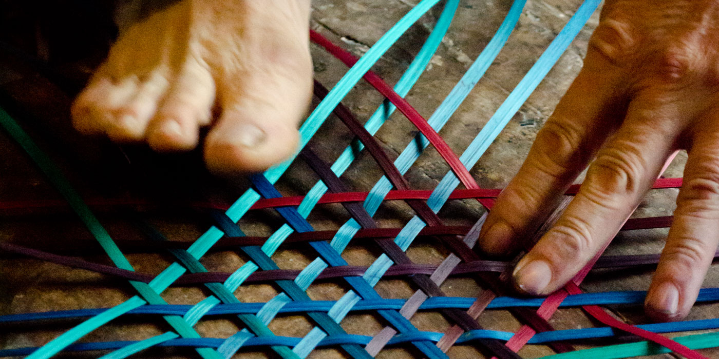 Gradient Basket weaving action with hand and feet