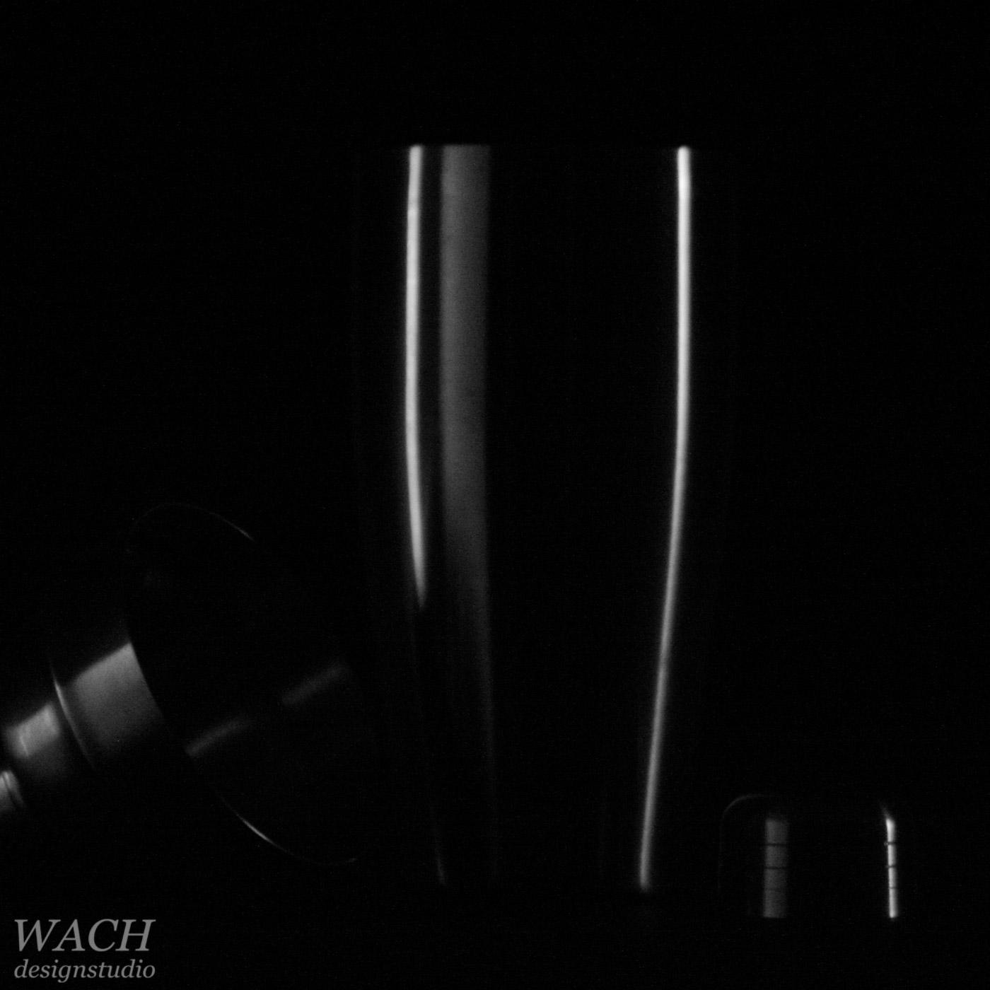 Shaker photograph using minimal light setup