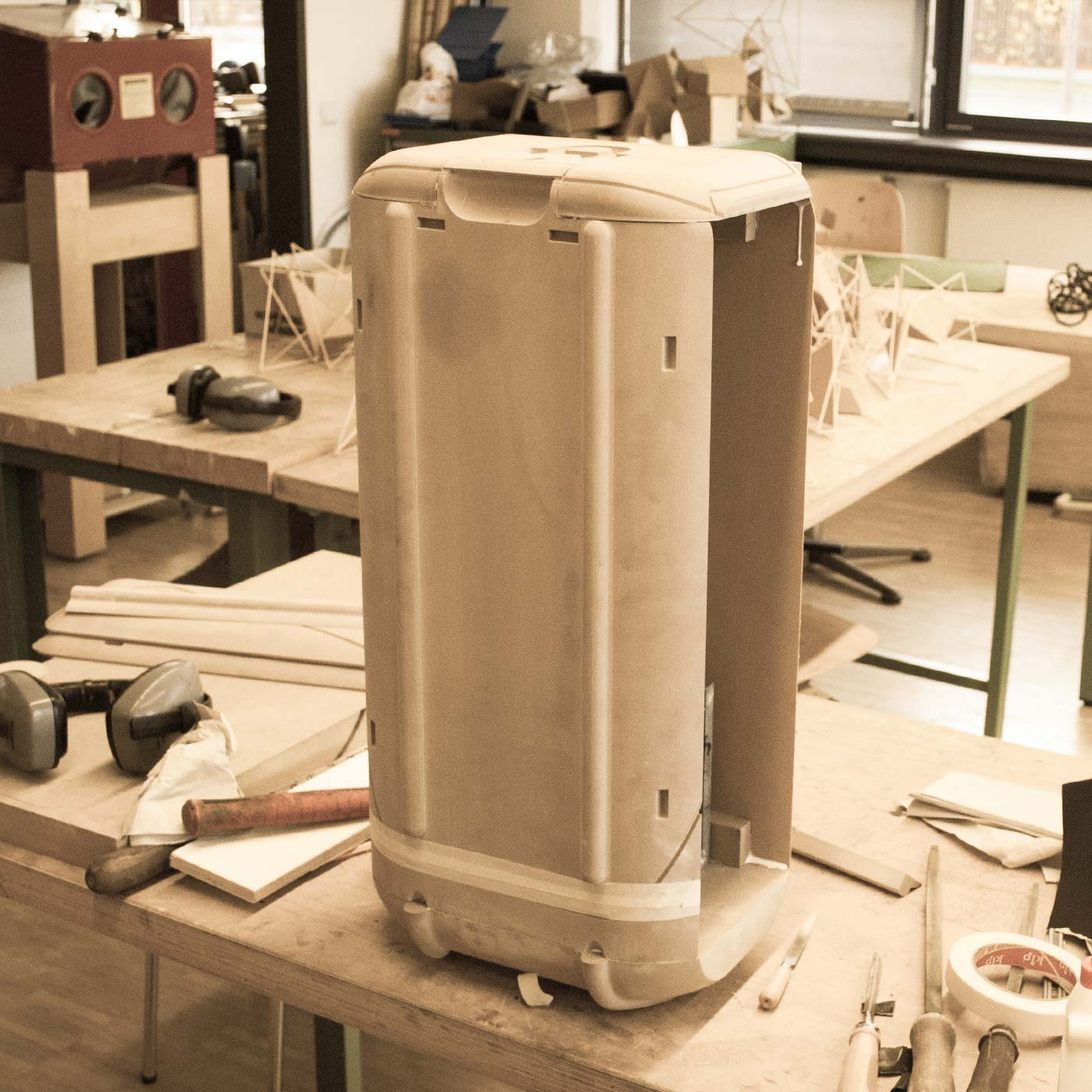 Assembly of milled parts for the Stadtkoffer mockup by WACH designstudio