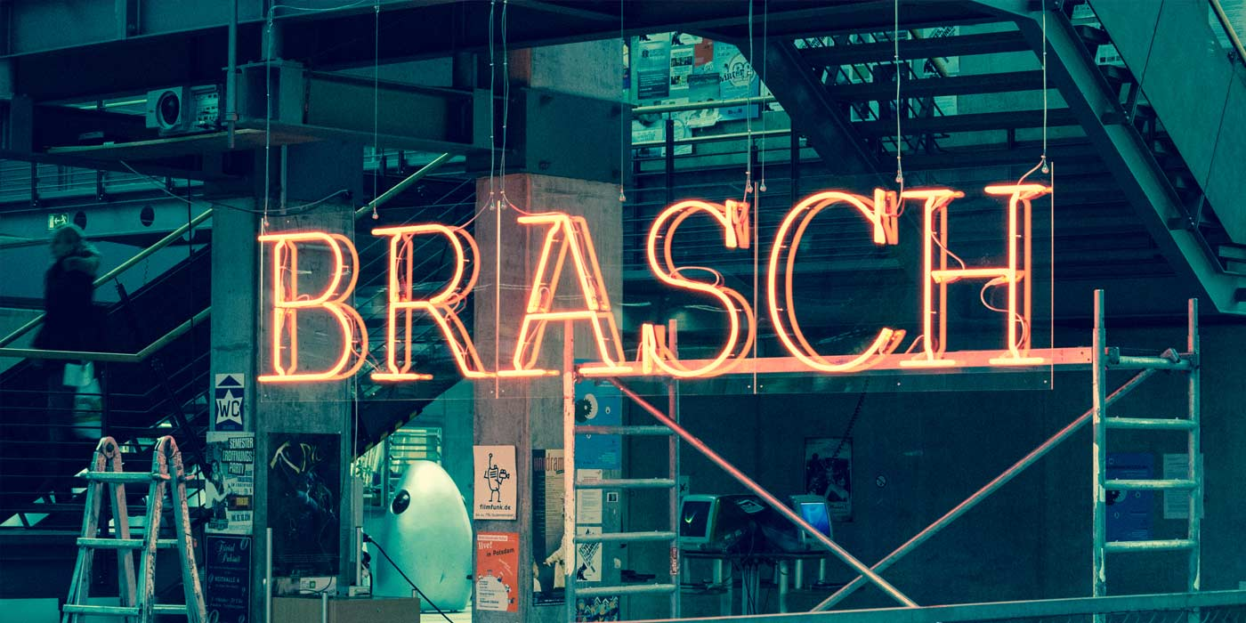 Hanging of the Brasch neon sign