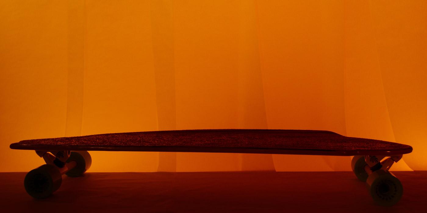 Silhouette of WACH designstudio crusier longboard