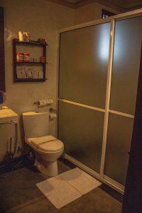 Amal beach hotel bathroom