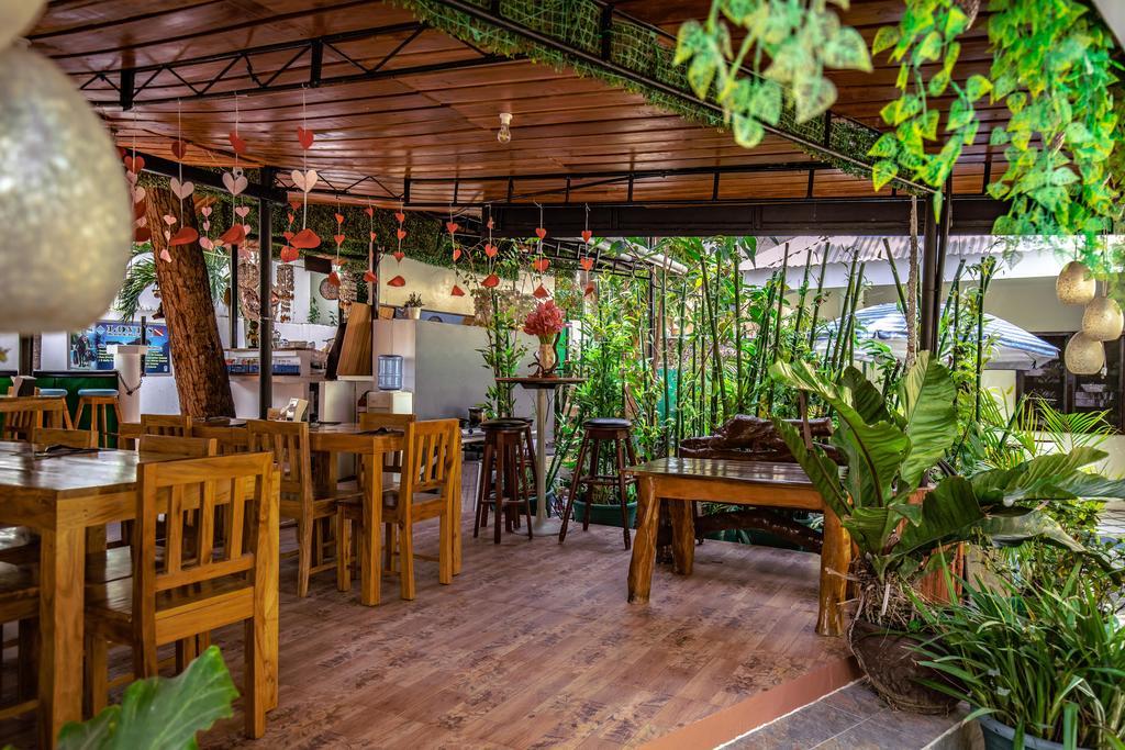 Restaurant pescadores seaview