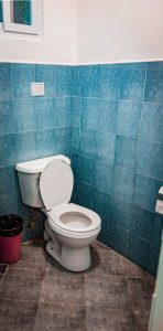 toilet/shower pescadores seaview