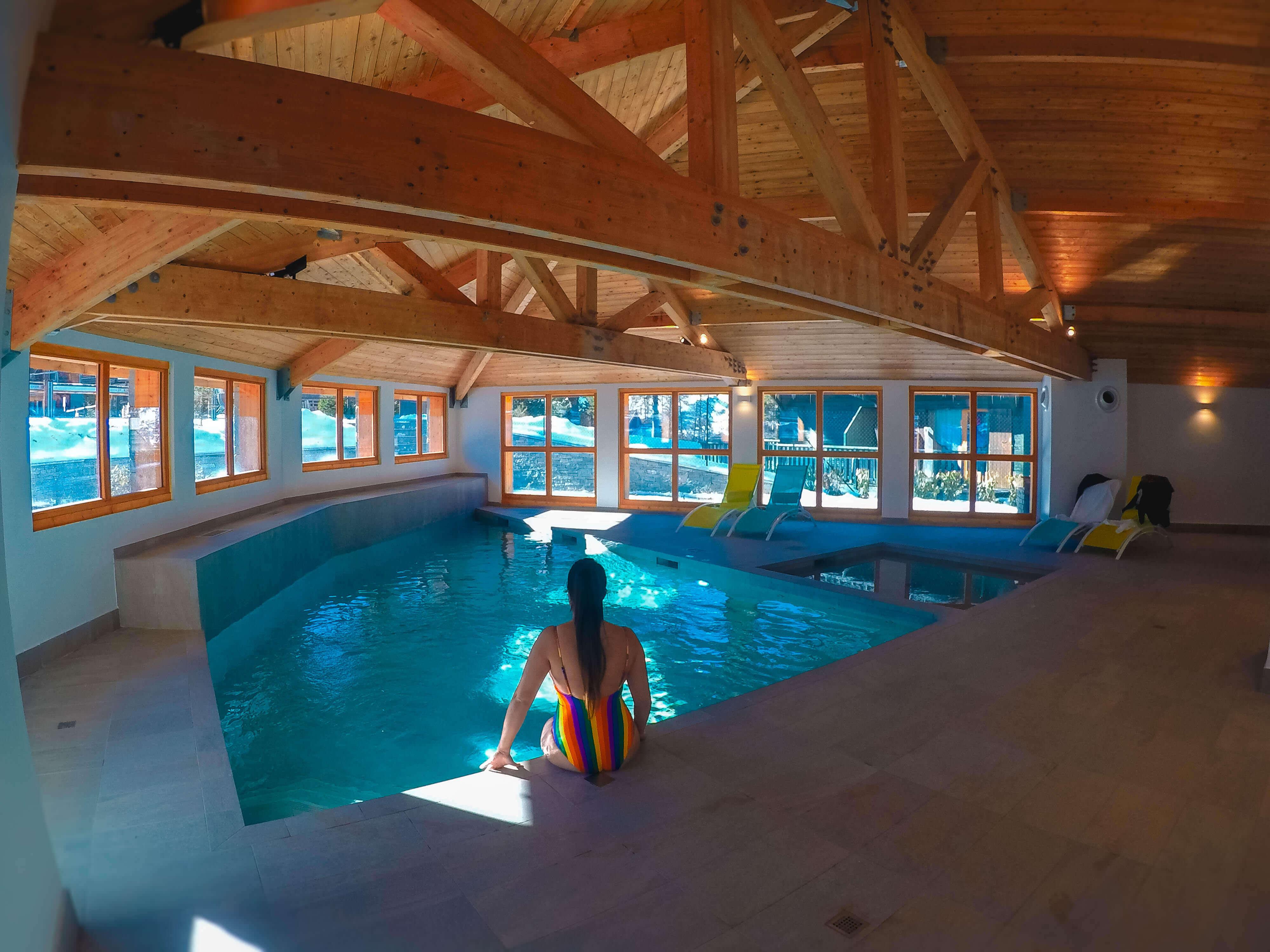 zwembad in Résidence Les Mélèzes