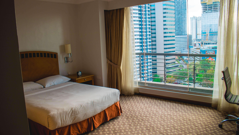 Linden suite room
